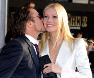 136929-downey_paltrow_kiss_large