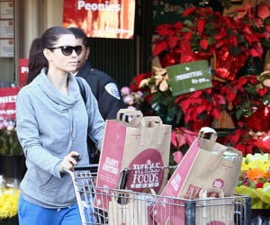 Jessica Biel Is A Whole Foods Shopper!