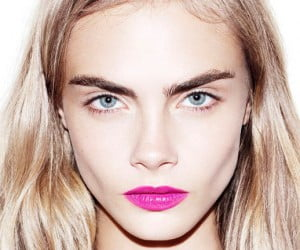 cara-delevingne-eyebrows