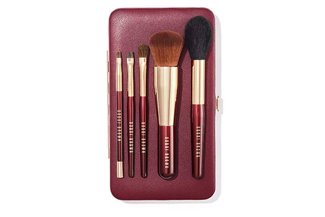 bobbi-brown-holiday-travel-brush