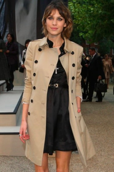Meghan Markle's Burberry Trench Coat in New Zealand 2018 ...